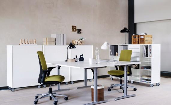 Photo: Per Gunnarsson Location: Masteskurene Fabric: FutuKnit, green Table:RBM Connect